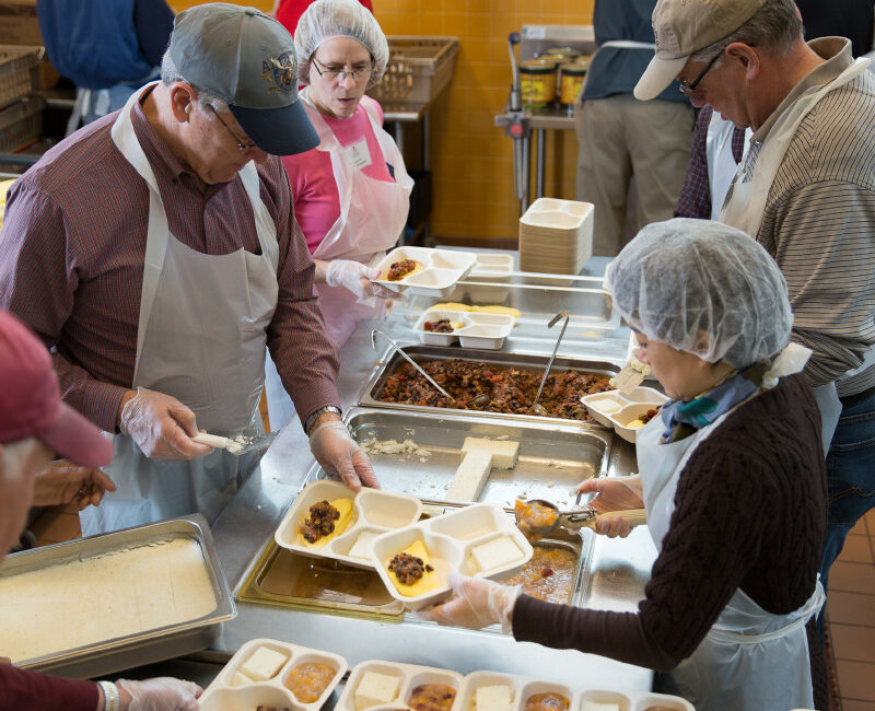 Packaging Meals on Wheels meals